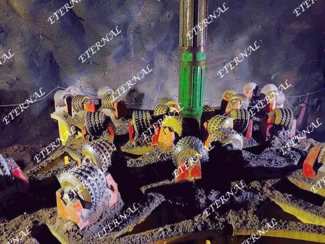 天井钻机6米刀盘在秘鲁施工现场